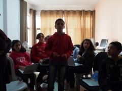 Kids in the Netketabi program