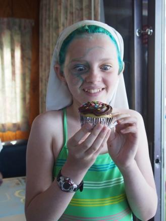 Cymbre, meet cupcake